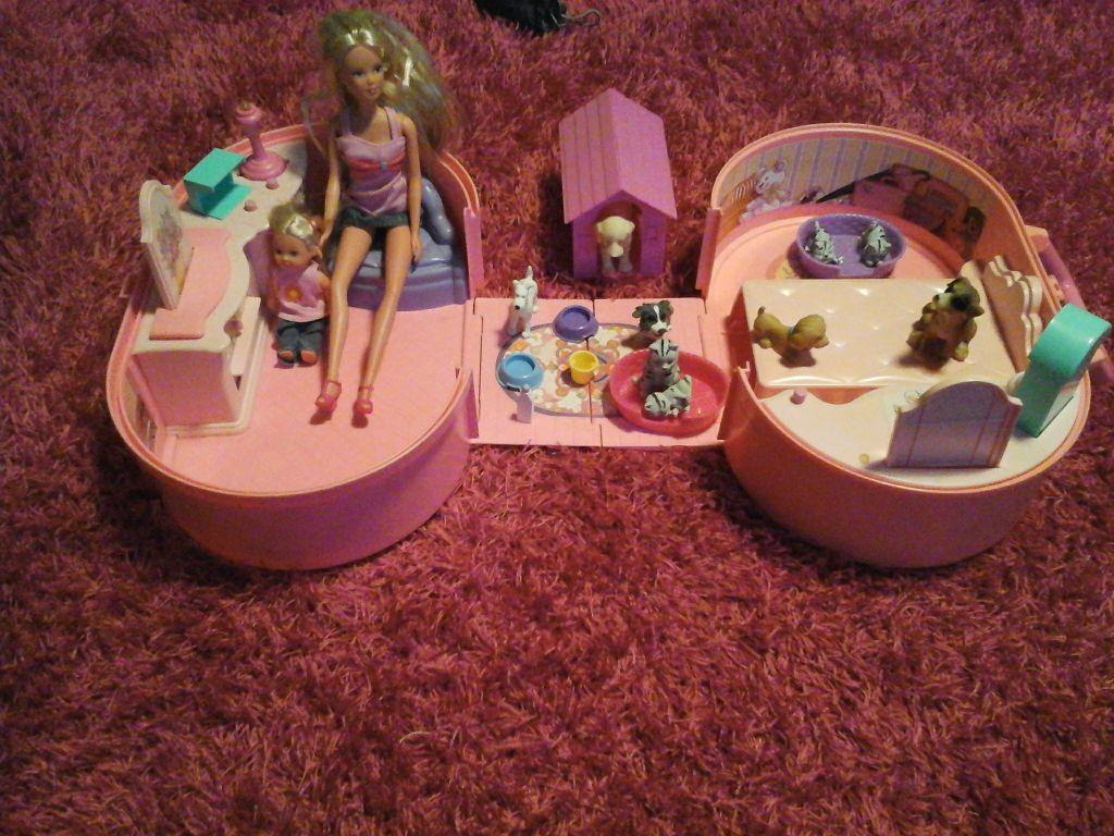 Fold Away House Fold Away Barbie House Pets