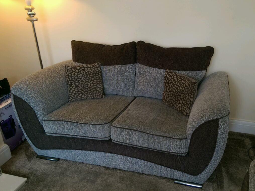 Clearance furniture warehouse with over 30, sq ft of wonderful sofa bargains. Huge savings on ex-display sofas, brand new, returns & cancelled orders. Ready for immediate delivery throughout the north.