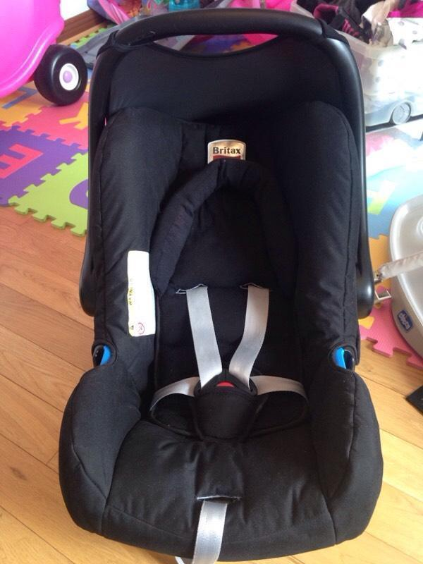 britax car seat newborn with base buy sale and trade ads. Black Bedroom Furniture Sets. Home Design Ideas