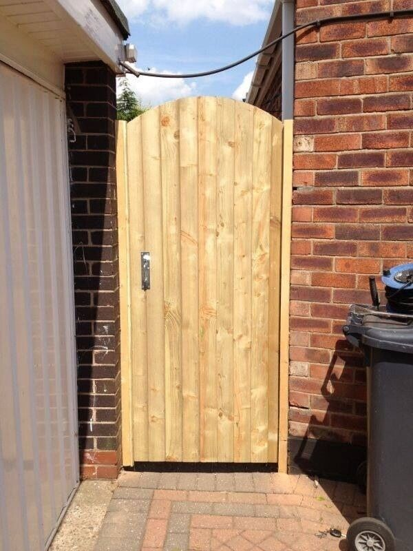 Soild wooden back side garden gates driveway gates for Wooden front doors fitted