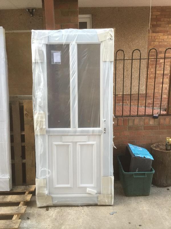 New upvc front door in frame united kingdom gumtree for Upvc front doors for sale