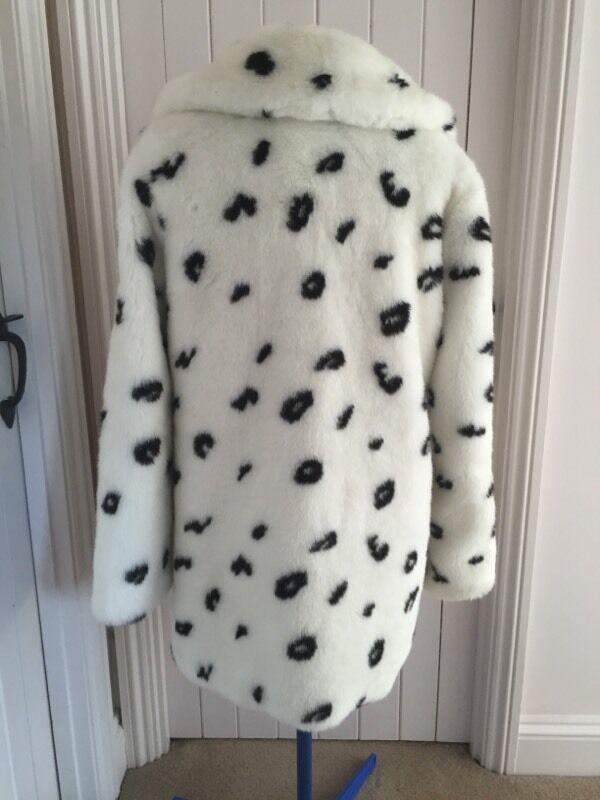 White Coats White Dalmatian Print Fur Coat