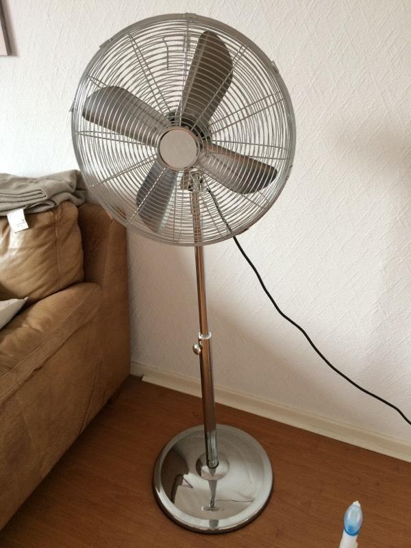 Floor standing chrome fan united kingdom gumtree for 14 inch chrome floor standing fan
