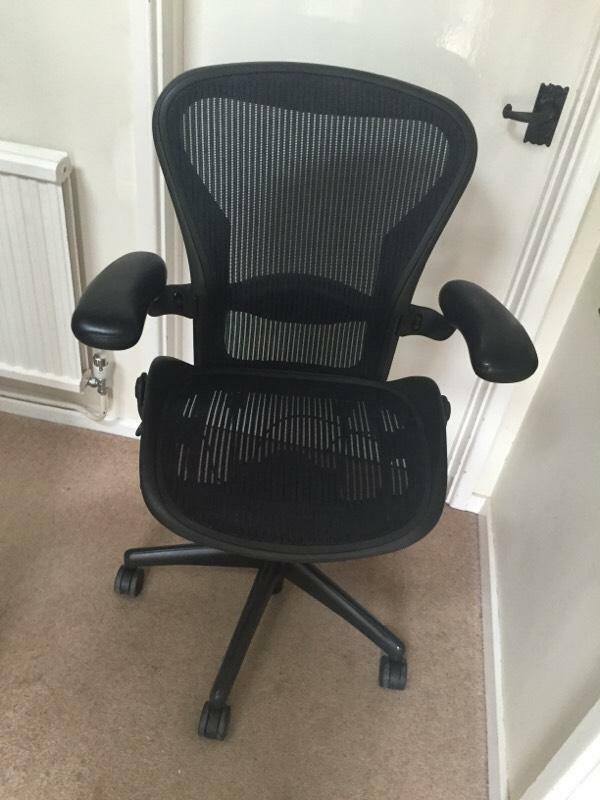 herman miller aeron chair size b dark blue united kingdom gumtree