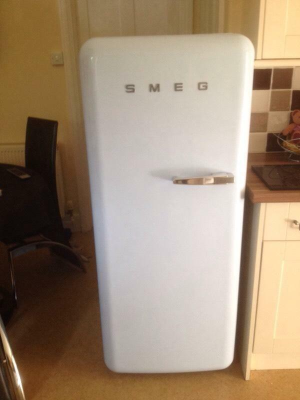 smeg fab 28 fridge freezer united kingdom gumtree. Black Bedroom Furniture Sets. Home Design Ideas
