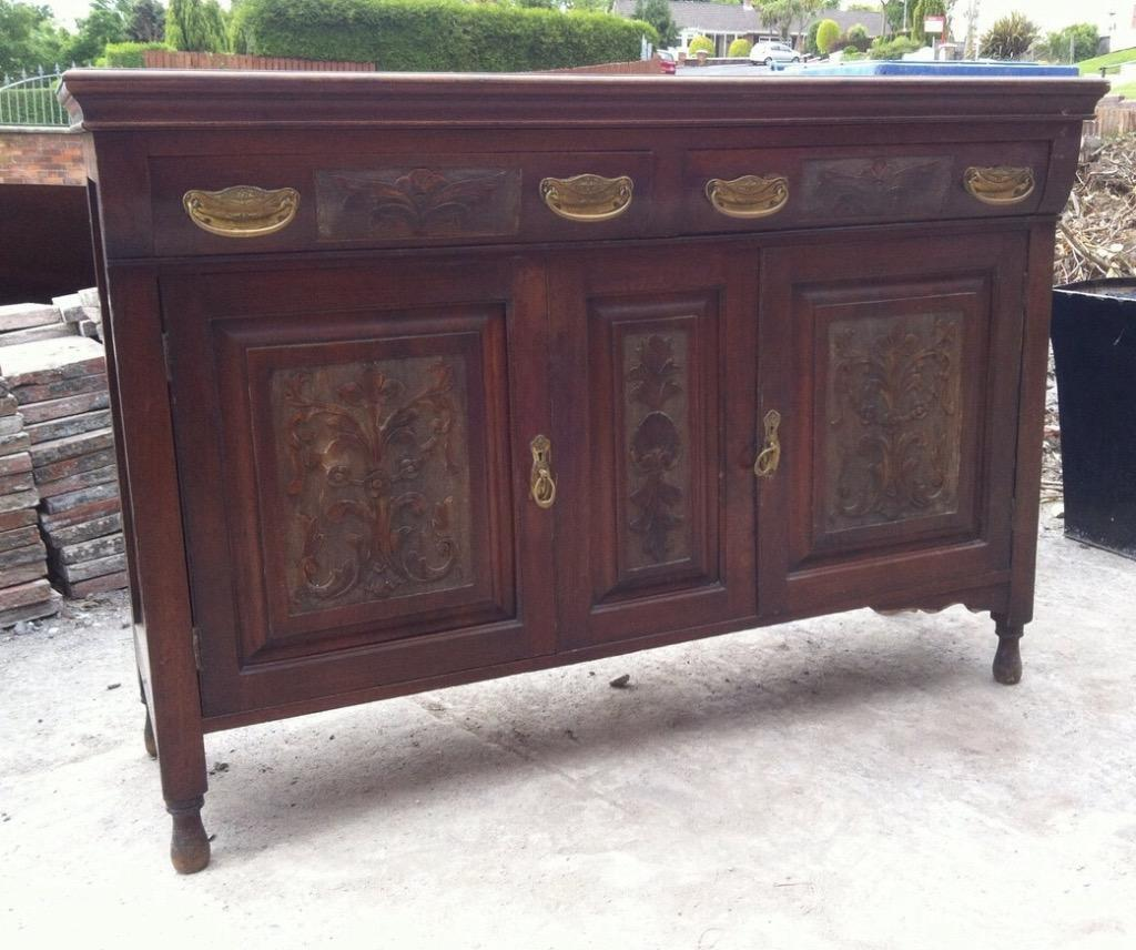 Solid wood carved sideboard united kingdom gumtree for Furniture gumtree