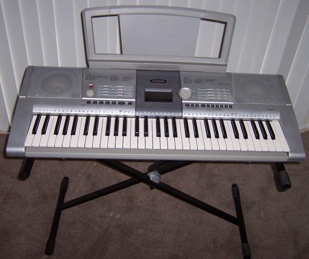 Yamaha psr 295 electronic keyboard and adjustable stand for Yamaha psr stand