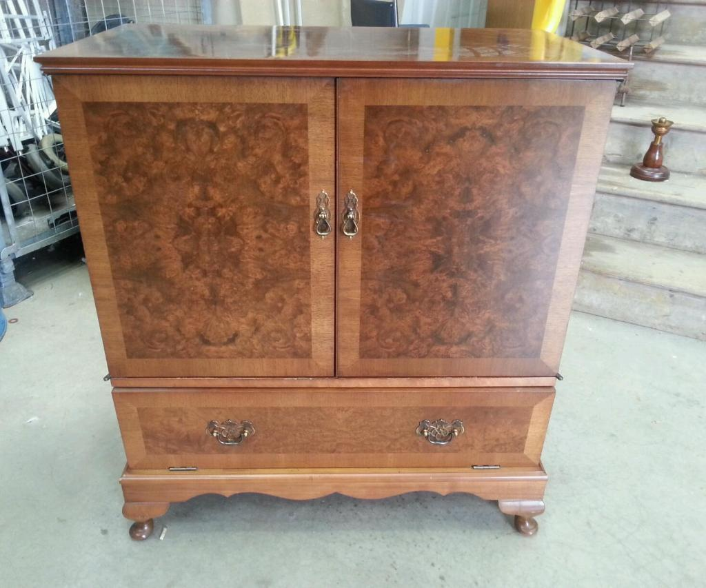 Solid wood tv cabinet united kingdom gumtree for Furniture gumtree