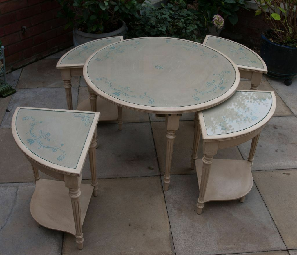 Round coffee table with nest of four small tables shabby for Small nest of tables
