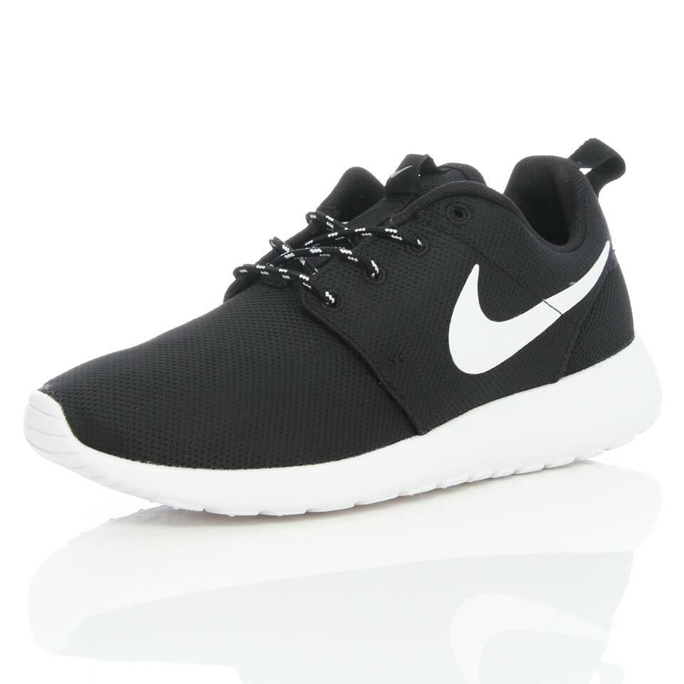 roshe run black size 6