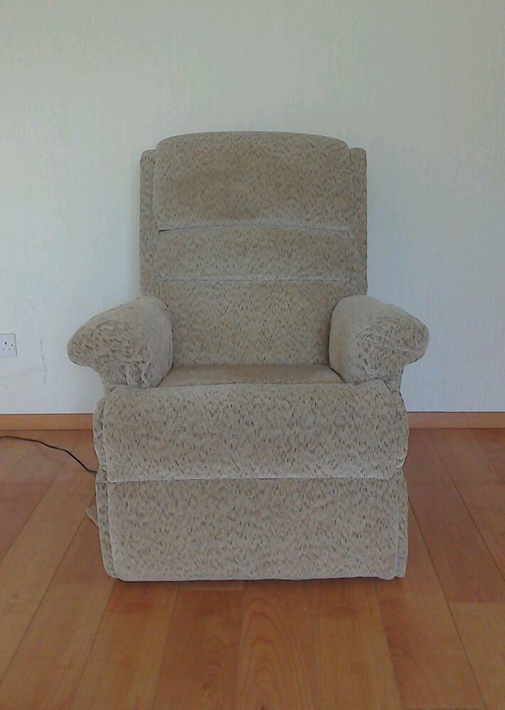 electric riser recliner chair gumtree electric riser recliner chair united kingdom gumtree