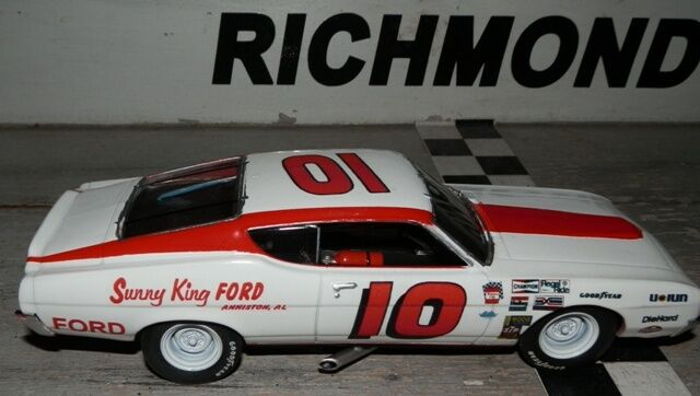 Sunny King Ford >> 10 Bill Champion Sunny King Ford 1969 Torino 1 32nd Scale