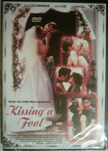 DVD KISSING A FOOL