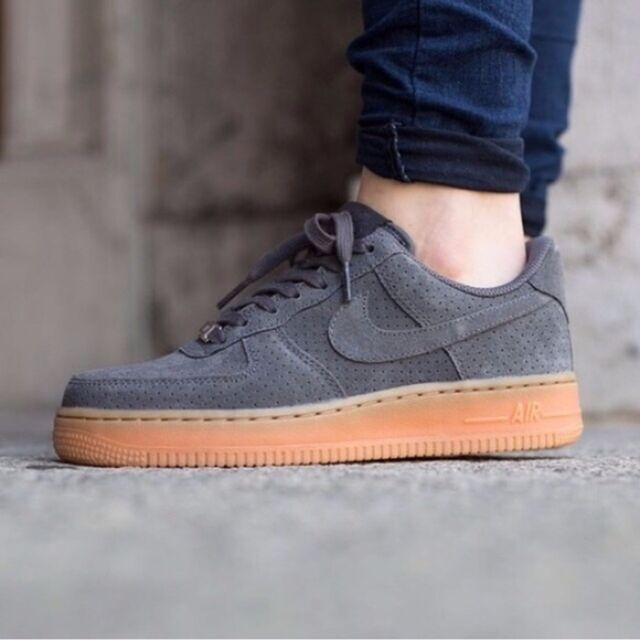 Nike Air Force 1 07 Suede Dark Grey/Gum 749263-001 Wmn Sz 9