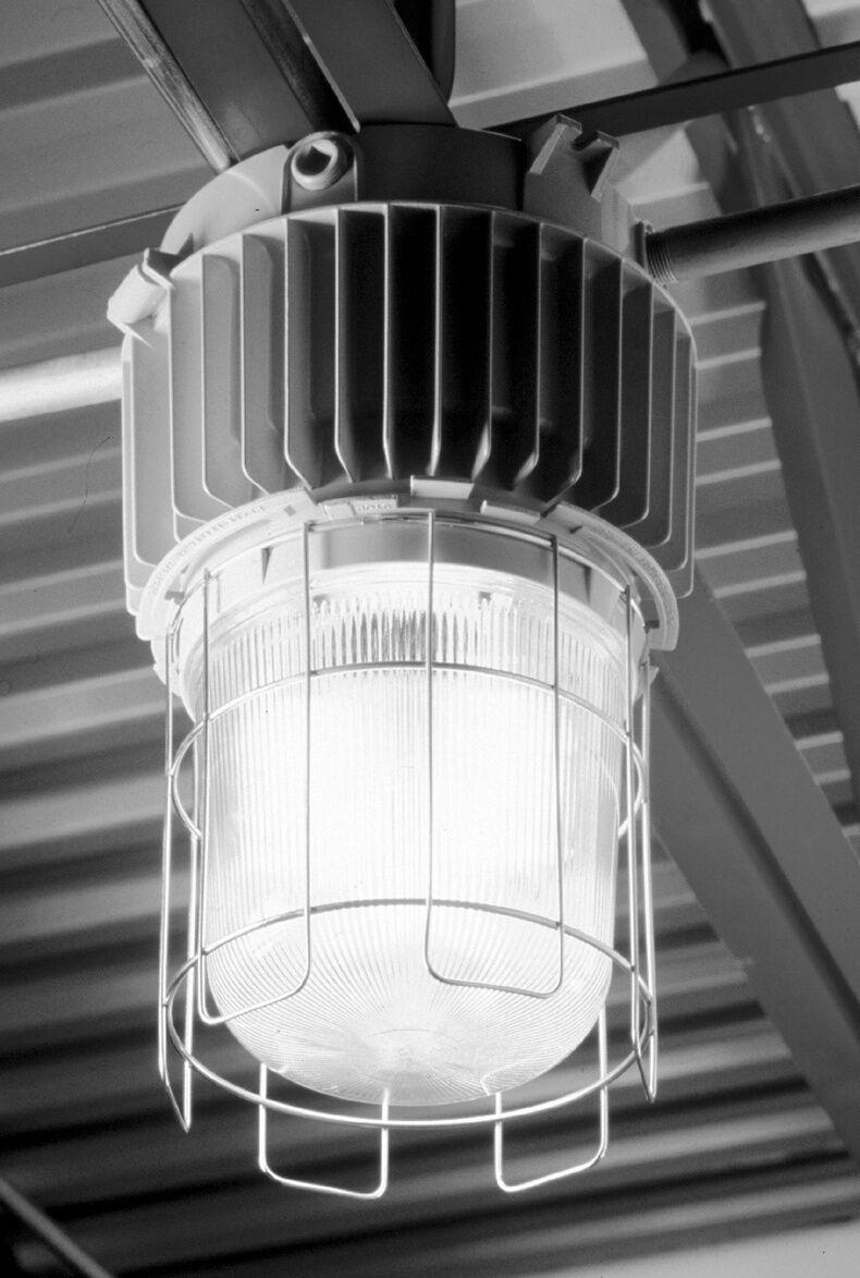 Cooper shop warehouse barn light fixture crouse hinds 110v wcord cooper shop warehouse barn light fixture crouse hinds 110v wcord hook ebay arubaitofo Choice Image