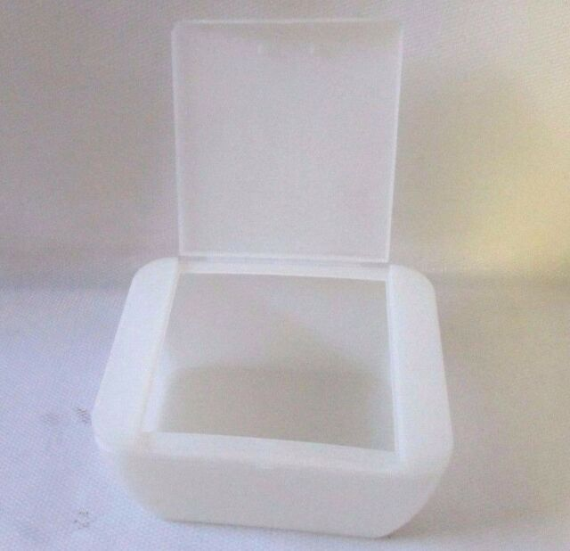 Q Tip White Plastic Cotton Swabs Holder Storage Cosmetic Case Box W/Lid  Bathroom