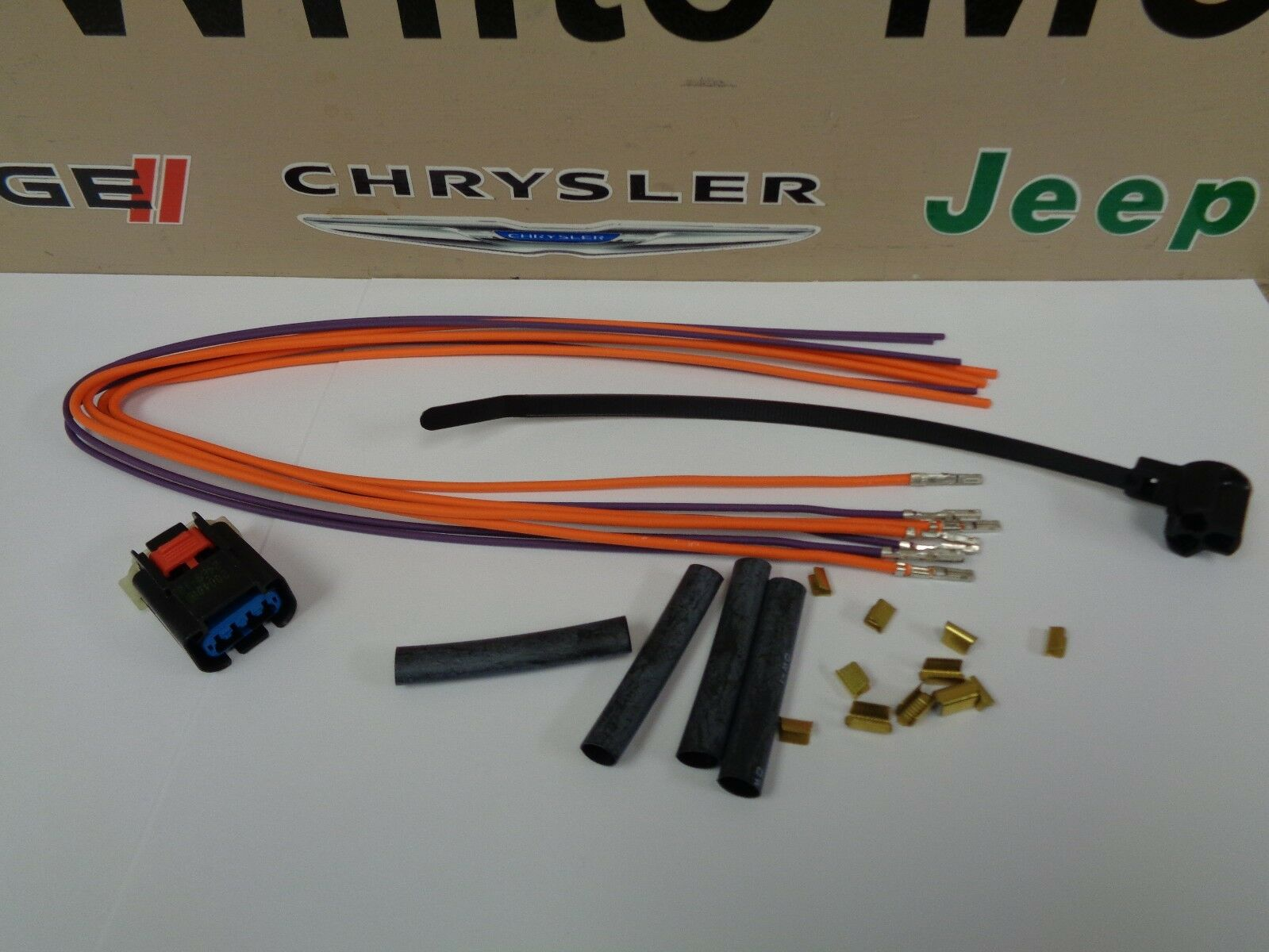 s l1600 genuine mopar 4 wiring harness 68064996aa ebay mopar wiring harness at edmiracle.co