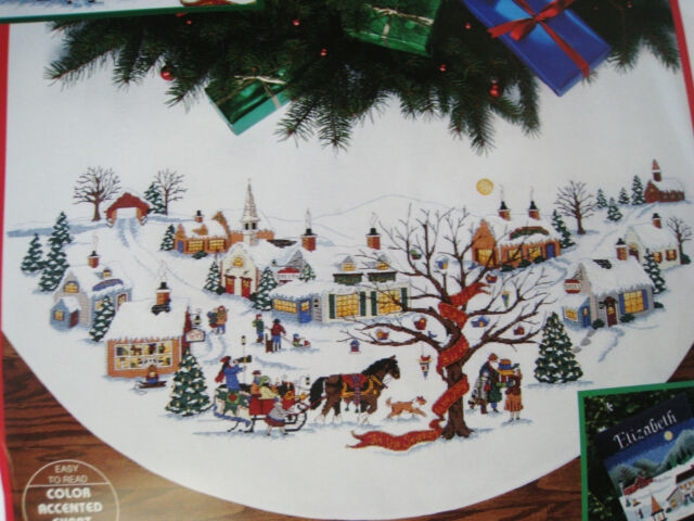 Dimensions Counted Cross Tree Skirt Craft KITCHRISTMAS VILLAGEWysocki847245