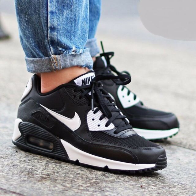 women's air max 90 essential running shoe
