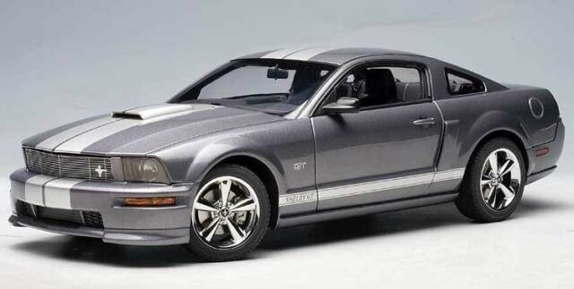 2007 ford mustang gt tungsten grey metallic 1 18 scale diecast car