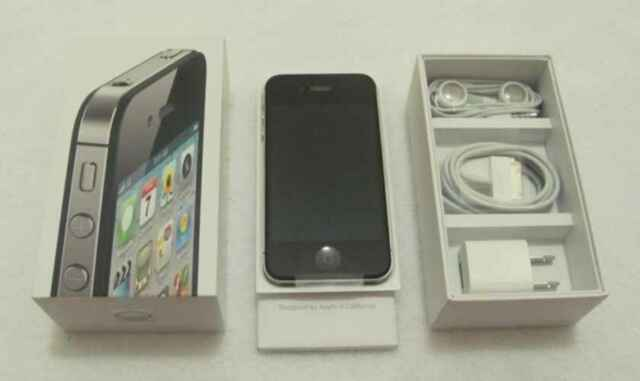 NEW Black iPhone 4S 16GB FACTORY UNLOCKED + Warranty TMobile Straight Talk WORLD