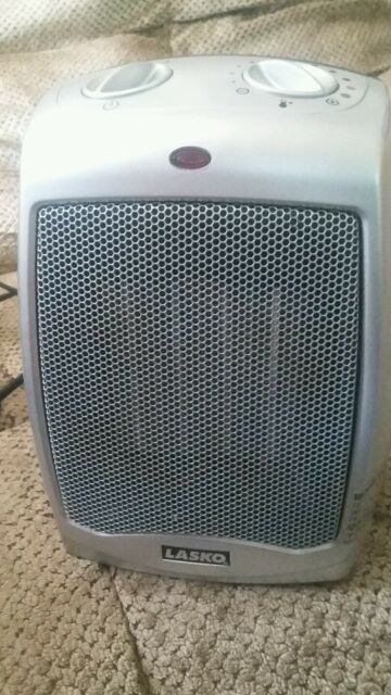 Lasko Ceramic Heater Model 754200 With Adjustable Thermostat