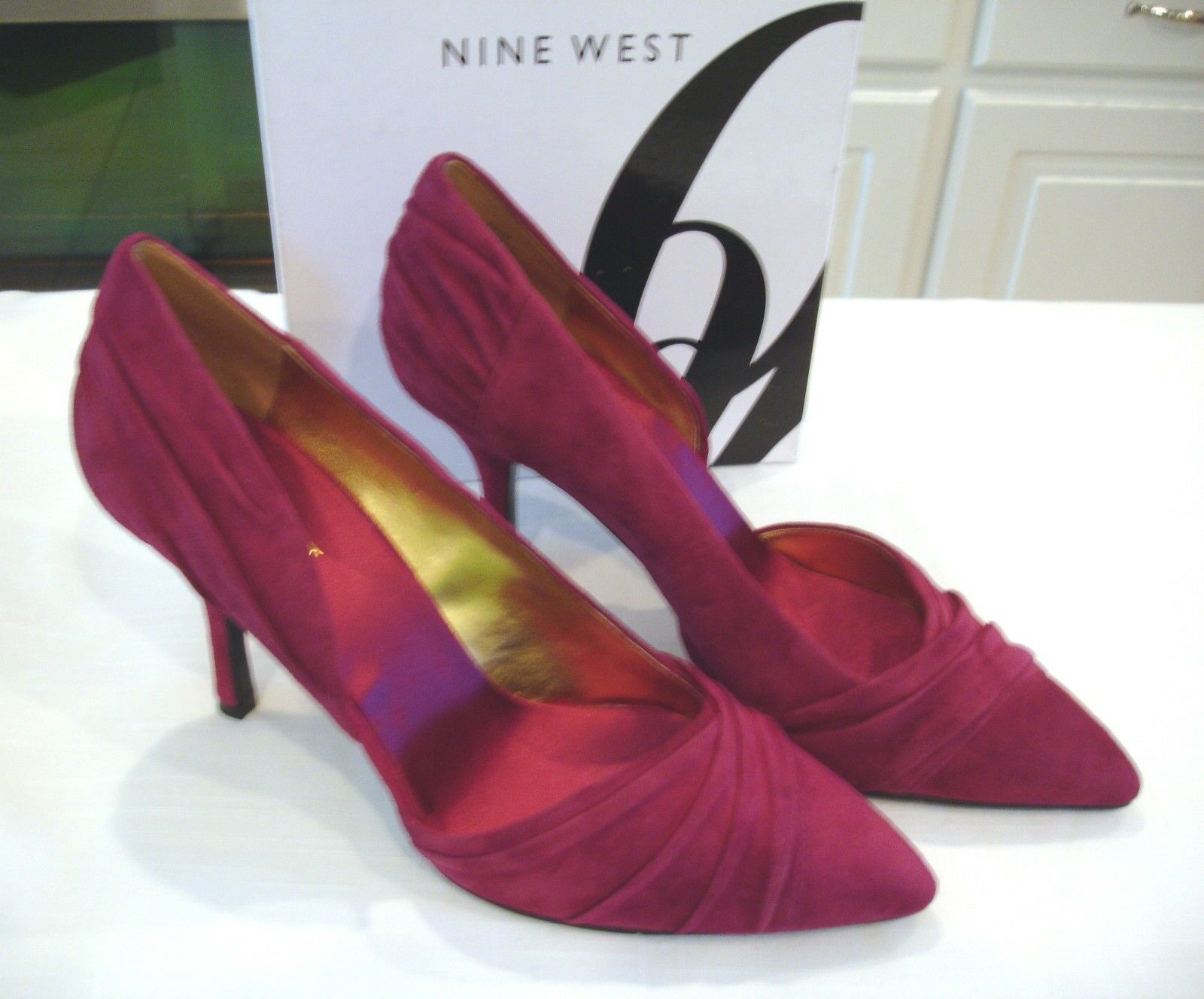 Nine West Guetette Deep Red Cranberry Suede 3 1/2