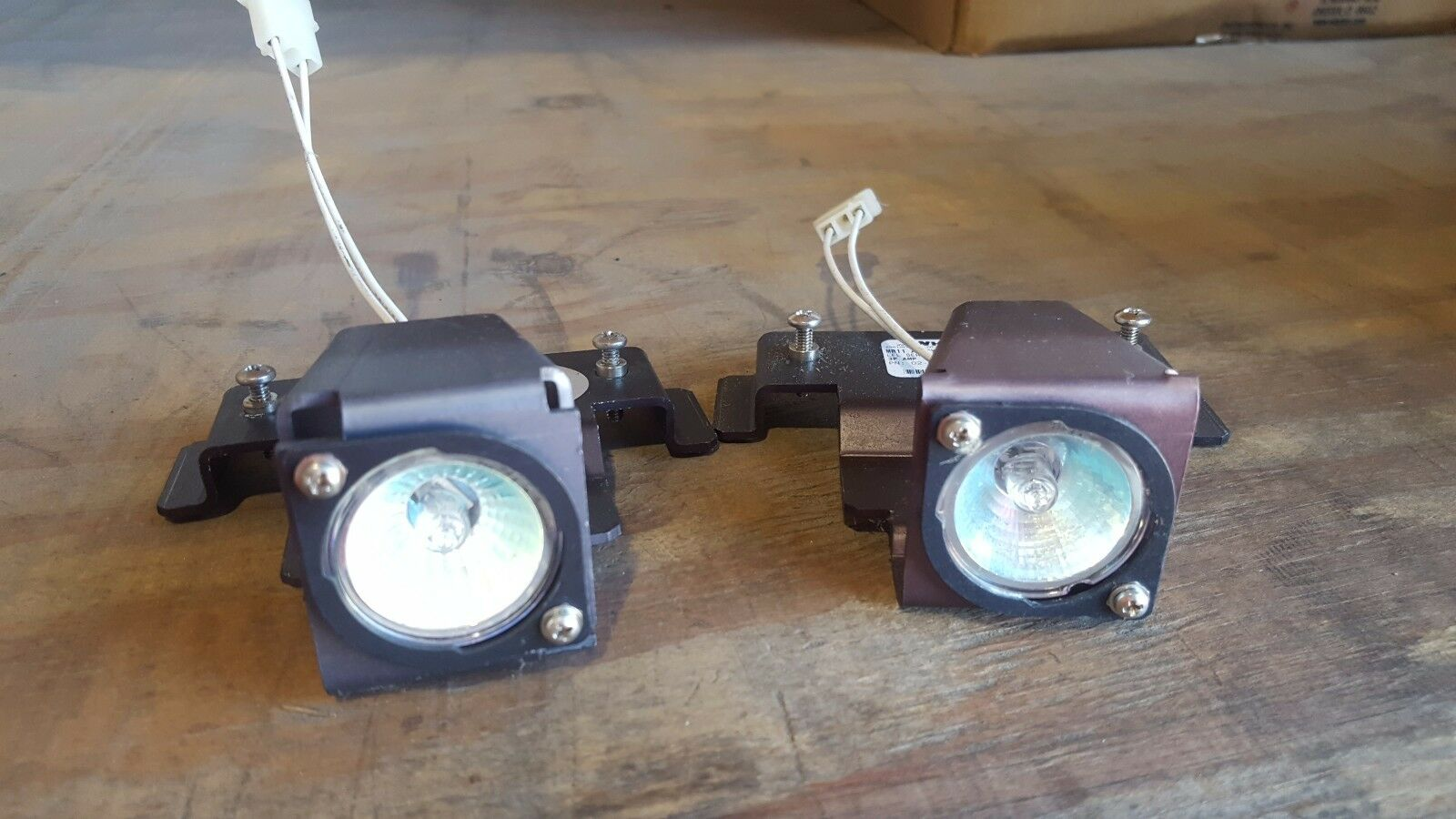 Whelen liberty mr11 halogen alley lights 12vdc ebay picture 1 of 6 sciox Gallery