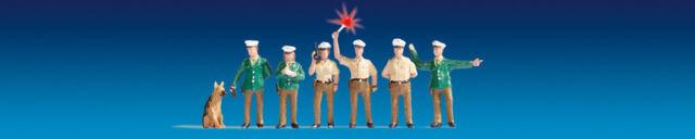 """Noch 17750 HO Figuren """"Polizisten Deutschland (grün), beleuchtet""""  #NEU in OVP##"""
