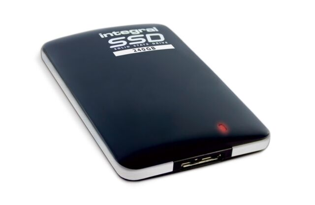 240GB Integral USB3.0 Pocket-Sized Portable SSD External Storage Drive  sc 1 st  eBay & 240gb Integral Usb3.0 Pocket-sized Portable SSD External Storage ...