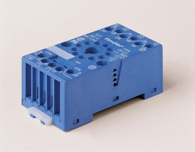 FINDER Relay Base 11 PIN Sockets for 60/88 series relays or 35 mm rail mount