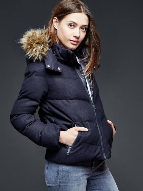 Gap womens puffer jacket