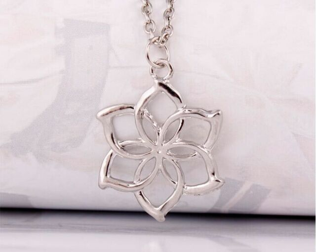 Classic lord of the rings elves galadriel queen hobbit flower classic lord of the rings elves galadriel queen hobbit flower pendant necklace aloadofball Gallery