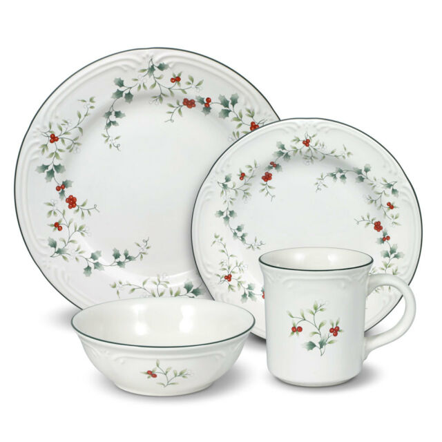 Pfaltzgraff Winterberry Dinnerware Set 32 PC | eBay