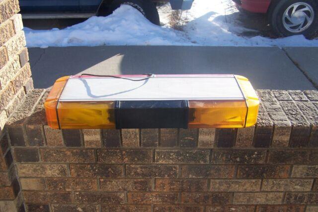 Whelen edge 9000 28 mini light bar strobe amber ebay whelen edge 9000 mini amberred light bar 28 mozeypictures Choice Image