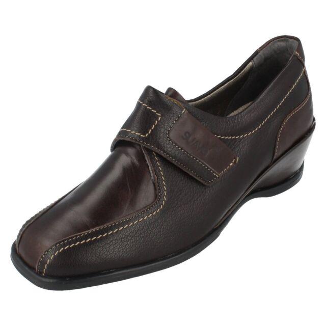 Donna Suave nero scarpe casual in cuoio con cinturino Shelly