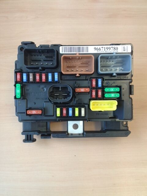 s l640 genuine citroen c3 picasso under bonnet fuse box ebay citroen c3 engine fuse box layout at readyjetset.co