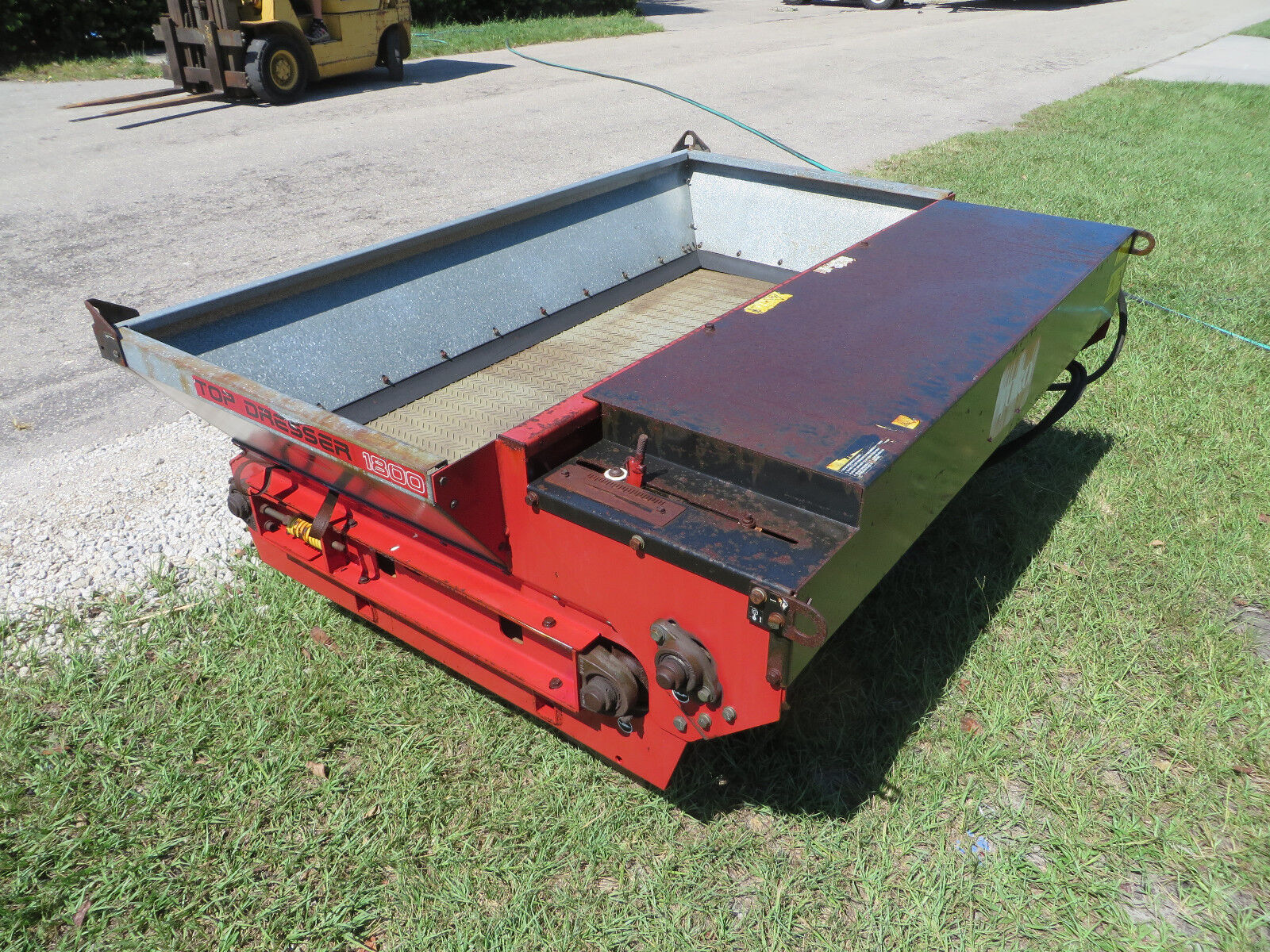 kennards rent top pedestrian topdresser dresser hire for