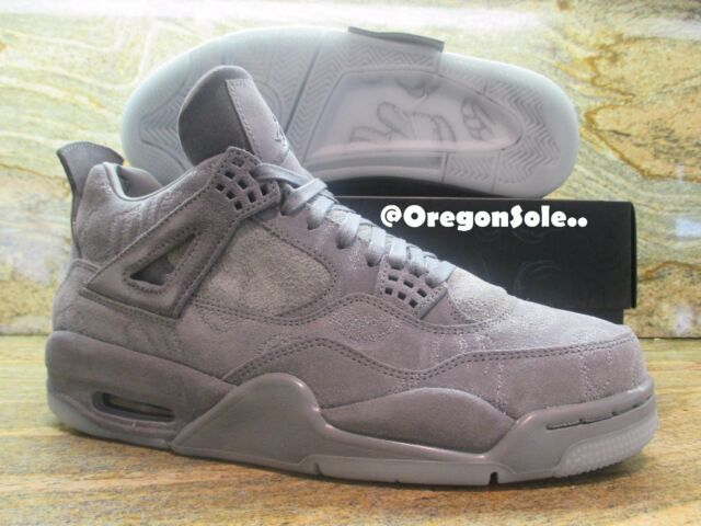 Nike Air Jordan 4 IV Retro KAWS size 10 Cool Grey Suede Glow In Dark 930155-003