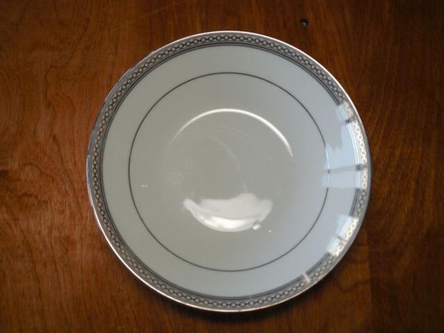 Noritake Contemporary LEGACY SPLENDOR 4267 Set of 5 Coupe Soup Bowls 7 1/2\  & Noritake Contemporary Legendary Splendor 4267 Set of 3 Dinner Plates ...