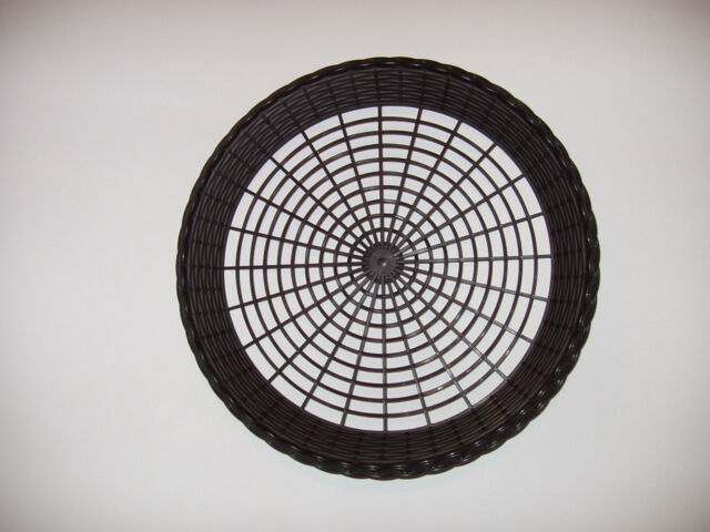 4 NEW BLACK PLASTIC PAPER PLATE HOLDERS PICNICS BBQ WASHABLE HEAVY DUTY & 4 Black Plastic Paper Plate Holders Picnics BBQ Washable Heavy Duty ...