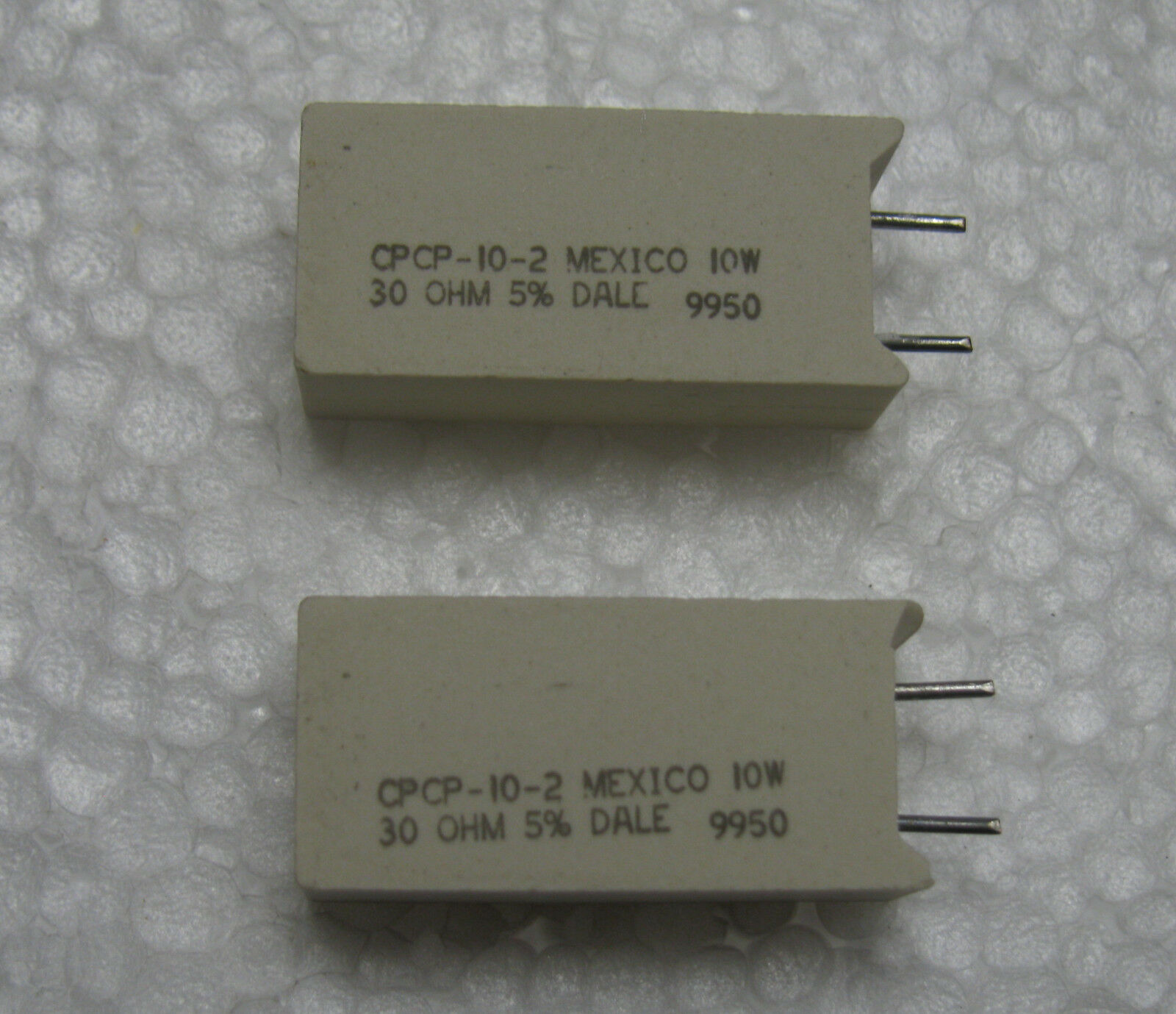 10 Dale BRAND 30 Ohms 10w 5 Ceramic Cement Wire Wound Resistors US ...
