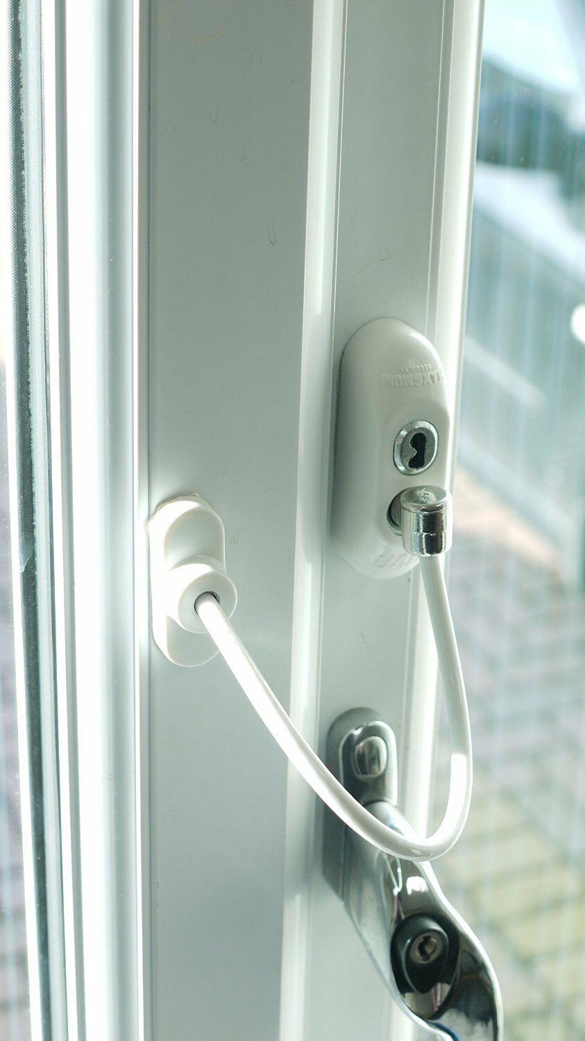 Picture 1 of 8 ...  sc 1 st  eBay & Max6mum Security Window / Door Lockable Restrictor Cable Lock ...
