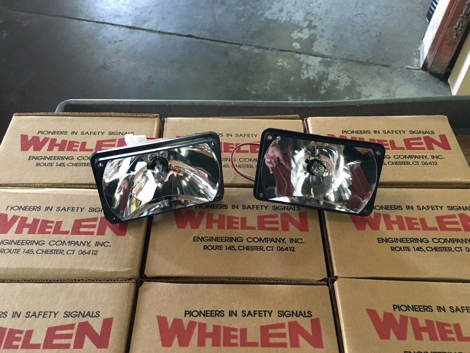 Whelen freedom 400 series halogen takedown alley lights ebay picture 1 of 4 sciox Gallery