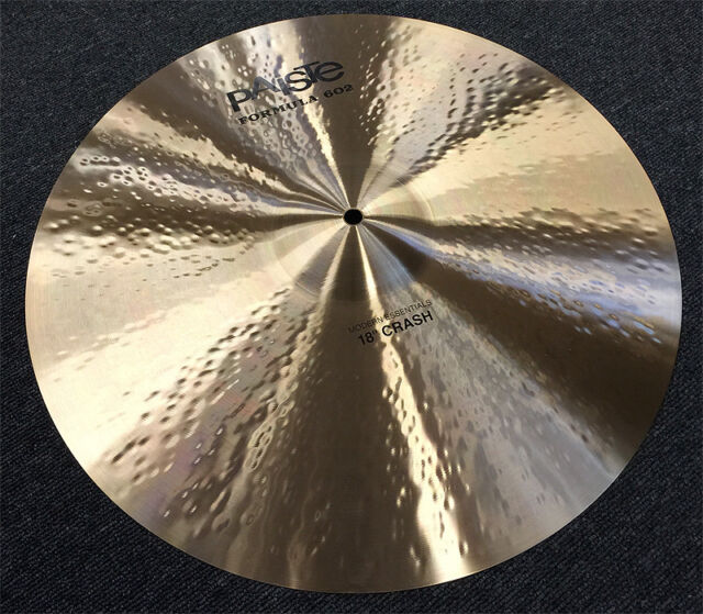 PAISTE 602 Modern Essential Crash Becken 18