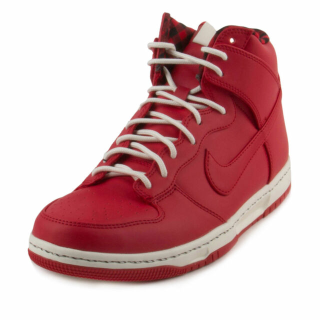 Nike Men's Dunk Ultra Casual Shoe