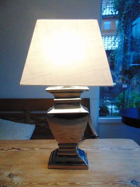 TISCHLAMPE 52cm STOFF LAMPENSCHIRM weiss TRAPEZ, SILBERFUSS Keramik E27 40W A++