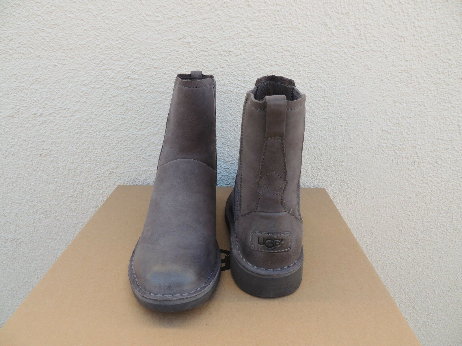 UGG Larra Charcoal Chelsea Leather Bottines/ Sheepwool Charcoal Chelsea Bottines US 9/ EUR 5cf826e - freemetalalbums.info
