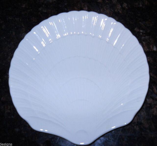 Mikasa OCEAN JEWEL WHITE Salad Dessert Shell Plate 8 5/8\  EH900 & Mikasa Ocean JEWEL White Set of 8 Dinner Plates EH900 Sea Shell | eBay