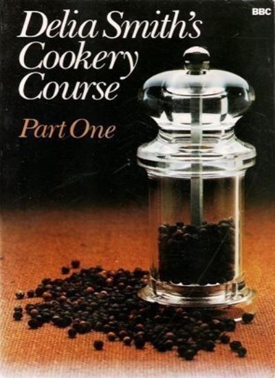 BOOK-Delia Smith's Cookery Course Part One: Pt. 1,Delia Smith